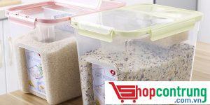 để gạo trong hộp nhựa